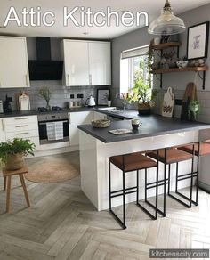 Real home: an open plan kitchen extension with industrial touches Storage is one of the very important parts in a kitchen design, and cabinets almost always dominate the look of … Grey Kitchen Interior, Home Decor Kitchen, New Kitchen, Interior Design Living Room, Home Kitchens, Hidden Kitchen, Kitchen Ideas, Apartment Kitchen, Pantry Ideas