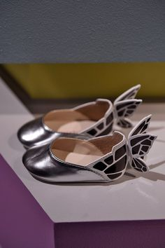 Catwalk 67 Am loving Sophie Webster design. The details on the shoe. I mean am loving the butterfly detail at the back.