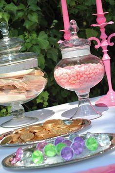 Royal Ball coins for boys, rings forgirls. Knight & princess cake pops