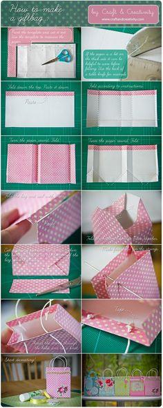 Zelf een giftbag maken, afwerken met bv washi tape, en je hebt een unieke verpakking!