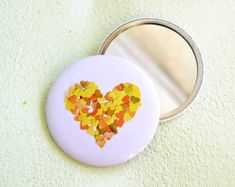 Yellow heart round pocket mirror by VeraPaperLab on Etsy, Pipe Clothes Rack, Fun Crafts, Diy And Crafts, Valentine Day Gifts, Valentines, Romantic Girl, Shabby Chic Style, Mellow Yellow, Craft Party