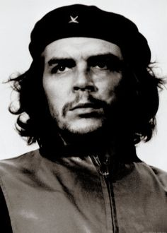 Iconic photo by Alberto Korda, of Che Guevara in his black beret. Photo made March 1960 during the burial of the victims of the Coubre explosion. However, it was not published until seven years later. Che Guevara Photos, Ernesto Che Guevara, Propaganda Art, Iconic Photos, Real Hero, Gulf Of Mexico, Cultura Pop, Popular Culture, Beret