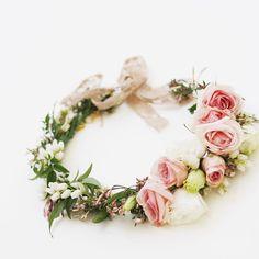 Flower crown prettiness  #flowers #floralfix #flowerstagram #floral #pretty #crown #flowerslovers  #florist #flowercrown #calledtobecreative  #flashesofdelight  #lovelysquares #pursuepretty #pink #roses #vscoflowers  #floralfridaycompetition  #petalsandprops #softdreamyphotography #floralperfection