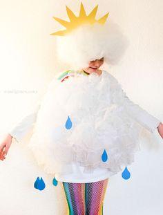 DIY Karnevalskostüm: Wolke   #karneval #fasching #kostüm #DIY waseigenes.com Halloween Costumes For Girls, Christmas Costumes, Halloween Projects, Halloween Diy, Happy Halloween, Diy Carnival, Carnival Costumes, Diy Costumes, Cloud Costume