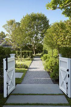 Welcome to the garden. Edmund Hollander Landscape Architects | Summer Cottage