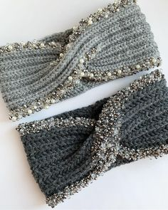 Best 12 Ravelry: Project Gallery for Parisian Twist Headband Ear Warmer pattern by Elisa McLaughlin – this is knitted, but I think it would translate to crochet, too. Easy Crochet Headbands, Knitted Headband, Crochet Beanie, Crochet Baby, Knitted Hats, Knit Crochet, Loom Knitting, Baby Knitting, Knitting Patterns