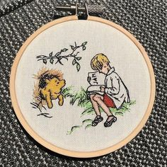 Hand Embroidery Projects, Learn Embroidery, Crewel Embroidery, Beaded Embroidery, Cross Stitch Embroidery, Embroidery Patterns, Cross Stitch Patterns, Winnie The Pooh Drawing, Sewing Art