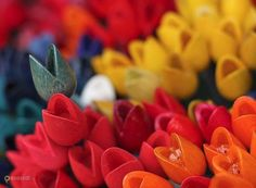 Цветочный рынок – #Нидерланды #Северная_Голландия #Амстердам (#NL_NH) Отправляетесь в Амстердам и не знаете, какой сувенир привезти любимой бабушке. Купите семена или луковицы удивительных голландских цветов на плавучем рынке Bloemenmarkt - красиво, душевно, практично и соседки по даче от зависти полопаются. http://ru.esosedi.org/NL/NH/1000111816/tsvetochnyiy_ryinok/