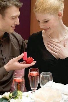 is daryl dixon dating carol