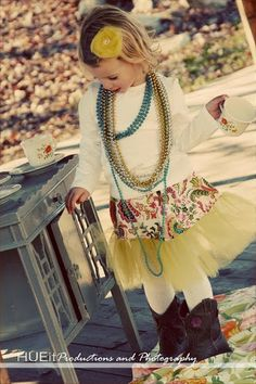 A must know to making creative outfits! Create Kids Couture teaches you had to add a tutu trim to any outfit. Love it!