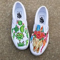 Heat Wave 🏜 ☆ It was all weekend in NY so it's the perfect time to post these Desert-themed Vans I painted for Succulents on the right shoe and a flower and feather adorned skull on the left.