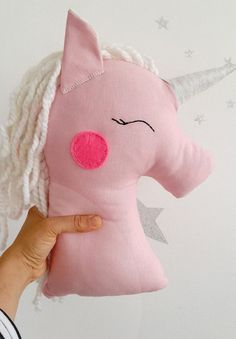 Cute Pillows, Kids Pillows, Animal Cushions, Unicorn Pillow, Diy Workshop, Sewing Dolls, Doll Crafts, Robin, Diy For Kids