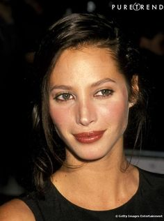 View and license Christy Turlington 1993 pictures & news photos from Getty Images. Christy Turlington, Famous Supermodels, Original Supermodels, Doutzen Kroes, 90s Grunge Hair, 90s Models, Linda Evangelista, Classic Beauty, Look Fashion