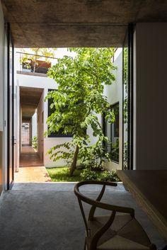 Gallery of Apartment in Binh Thanh / Sanuki Daisuke architects - 17