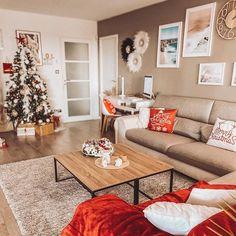 Carré Blanc (@carreblancparis) • Photos et vidéos Instagram Decoration, Shag Rug, Rugs, Photos, Instagram, Home Decor, Comforter Set, Home, Fall Season