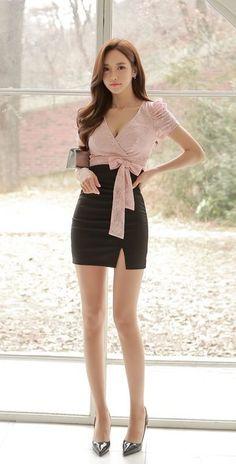 Pretty Korean Girls, Cute Asian Girls, Beautiful Asian Girls, Korean Girl Fashion, Asian Fashion, Mode Outfits, Stylish Outfits, Women With Beautiful Legs, Look Office