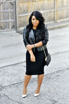 Black dress and leather jacket / all black outfit / street style Short Girl Fashion Curvy, Autumn Fashion Curvy, Curvy Girl Outfits, Petite Outfits, Classy Outfits, Chic Outfits, Plus Size Outfits, Plus Size Fashion, Fall Outfits