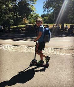A drink of water is always a good idea on a sunny day 😎☀️🛴💦 Shoutout to @prex4 for the reminder 😊👍  --- Kids   Outdoor activities   Parenting   Toys   Scooter   Kids scooter   Yvolution   Mother   Toddler   Y Glider