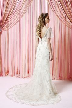 Iscoyd Park | Fit and Flare Wedding Gown | Fitted Bodice Wedding Dress | Charlotte Balbier