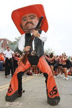 Georgia v Oklahoma State ....I must admit it ....pistol Pete is the only cowboy I would ever want to be associated with :)) lol ha ha