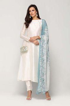 Pakistani Dress Design, Pakistani Dresses, Indian Dresses, Indian Outfits, Pakistani Suits, Anarkali Suits, Kurti Designs Party Wear, Kurta Designs, Desi Clothes