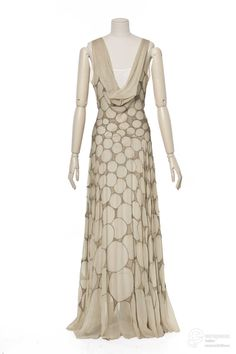 robe du soir Creation date 1931 Material silk Creator Madeleine Vionnet Object Type evening gown Technique chiffon