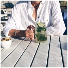 White shirt + Céline knot bracelet #style #topshop #Céline