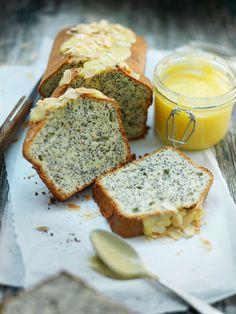 Poppy seed cake with lemoncurd