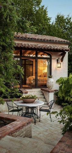 Mediterranean Bedroom, Mediterranean Style Homes, Spanish Style Homes, Spanish House, Mediterranean Architecture, Spanish Revival, Spanish Colonial, Mediterranean Kitchen, Design Patio