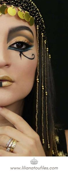 I'm back with another easy makeup tutorial. This is how to achieve a Cleopatra Inspired look this Halloween. I'm back with another easy makeup tutorial. This is how to achieve a Cleopatra Inspired look this Halloween. Makeup Inspo, Makeup Art, Makeup Inspiration, Beauty Makeup, Makeup Ideas, Hair Makeup, Makeup Tips, Prom Makeup, Wedding Makeup