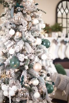 Michaels Christmas Trees, White Christmas Trees, Noel Christmas, Green Christmas, Beautiful Christmas, Flocked Christmas Trees Decorated, Frosted Christmas Tree, Farmhouse Christmas Trees, Christmas Tree Ribbon