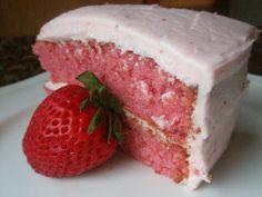 Ed's Paula Deen Strawberry Cake with Strawberry Cream Cheese Icing Fresh Strawberry Cake, Strawberry Recipes, Strawberries And Cream, Strawberry Cake Paula Deen, Strawberries Garden, Cheesecake Strawberries, Strawberry Jello, Just Desserts, Delicious Desserts