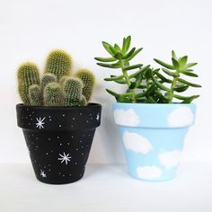 Idea Of Making Plant Pots At Home // Flower Pots From Cement Marbles // Home Decoration Ideas – Top Soop Flower Pot Art, Flower Pot Design, Flower Pot Crafts, Clay Pot Crafts, Diy Crafts, Clay Pot Projects, Painted Plant Pots, Painted Flower Pots, Decorated Flower Pots