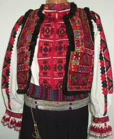 Folk Clothing, Folk Costume, Folk Art, Christmas Sweaters, Textiles, Embroidery, Clothes, Dresses, Fashion