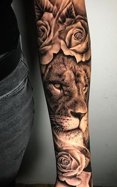 50 Eye-Catching Lion Tattoos That'll Make You Want To Get Inked - awesome lion tattoo ideas for girls © tattoo artist Girls With Sleeve Tattoos, Shoulder Tattoos For Women, Best Sleeve Tattoos, Tattoo Sleeve Designs, Tattoo Girls, Girl Tattoos, Tattoos For Guys, Couple Tattoos, Forearm Tattoos For Girls