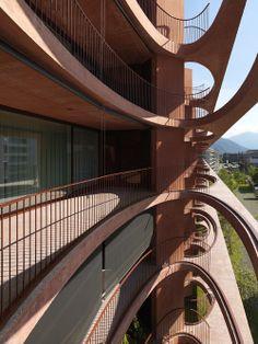 Valerio Olgiati - Schleife residential building, Zug