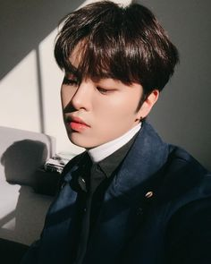 🌻The Rose🌻- hajoon K Pop, Star Company, Rose Icon, J Star, Woo Sung, Rose Pictures, Funny Pictures, Korean Bands, Interesting Faces
