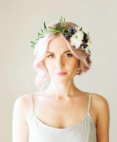 Hair Styles Short Bride Flower Crowns Ideas For 2019 Flower Crown Bride, Flower Crown Hairstyle, Bride Flowers, Crown Hairstyles, Pixie Hairstyles, Trendy Hairstyles, Flowers In Hair, Flower Crowns, Wedding Flowers