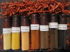 Earthues - Natural Dye Kits-want to learn how to do this! Textile Dyeing, Dyeing Fabric, Natural Paint Colors, Casein Paint, Paint Color Combos, Organic Homemade, Earth Pigments, Sustainable Textiles, Pigment Powder