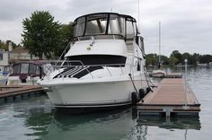 1999 Silverton 392MY Flybridge http://www.caboats.com/used-boats/8715.htm#