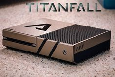 Titanfall Themed Xbox One [It's so pretty. I want it]
