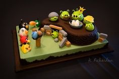 Google Image Result for http://yulianatan.com/blog/wp-content/uploads/2011/04/500x_angry-birds-cake.jpg