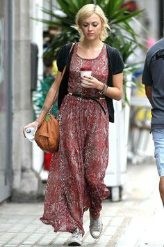 Love this look. Could work on any age. Relaxed and dressing down. Hollywood Fashion, Hollywood Style, Fearne Cotton, Gamine Style, Fashion Idol, Pretty Outfits, Pretty Clothes, Cotton Style, Womens Fashion