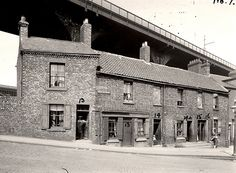 Stepney Bank Shieldfield by Newcastle Libraries - the ship inn is further down the road to the right Time Pictures, Old Pictures, Old Photos, Blaydon Races, The Ship Inn, Newcastle Gateshead, Great North, Somewhere In Time, North East England