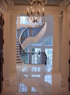 My dream house has to have a grand staircase. Grand Staircase, Staircase Design, Winding Staircase, Beautiful Interiors, Beautiful Homes, Beautiful Stairs, Foyers, House Goals, My Dream Home