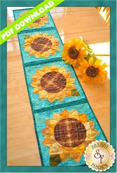 Patchwork Sunflower Table Runner Pattern: Add some cheer to your summer table with these lovely sunflowers! Designed by Jennifer Bosworth of Shabby Fabrics, this design features patchwork - a great way to use up scraps! Table Runner And Placemats, Quilted Table Runners, Fall Table Runner, Quilted Table Runner Patterns, Patchwork Table Runner, Kit Patchwork, Quilting Projects, Sewing Projects, Quilting Ideas