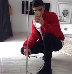 Fashion Moda, Urban Fashion, Mens Fashion, Foto Casual, Cute Boys Images, Photography Poses For Men, Selfie Poses, Tumblr Boys, Guy Pictures