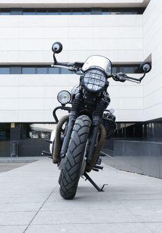 Moto transformada al Brat Style por Tamarit Motorcycles. Triumph Bonneville T120, Motos Triumph, Motos Bobber, Scrambler, Vintage Motorcycles, Custom Motorcycles, Cafe Racer, Inspire, Drawing
