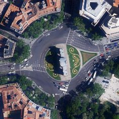 ¿Sabías que la plaza donde se ubica la Puerta de Alcalá se llama oficialmente Plaza de la Independencia? #madrid