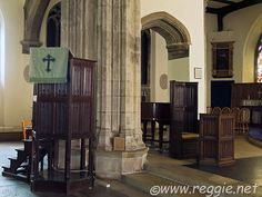 Church of St. Edward, King and Martyr pulpit